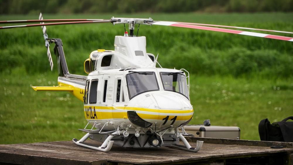 Bell 412_ 323.jpg