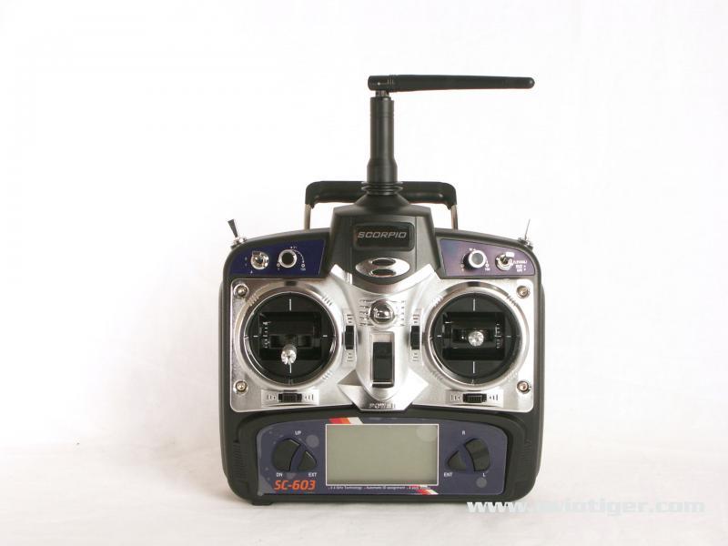 2000ES133M Radiocommande.jpg